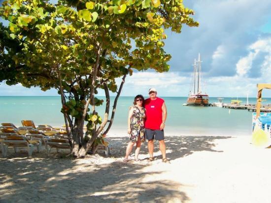 Oranjestad, Aruba: Waiting for our Pirate ship to arrive  RRRRRRRRRRR!