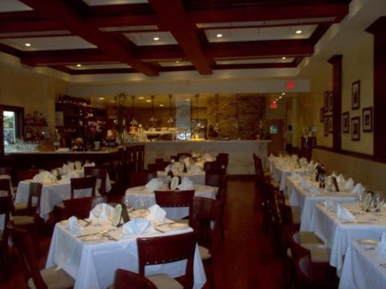 Surfside, FL: Interior Restaurante Cafe Ragazzi, mi lugar de trabajo, en aquella linda experiencia.  Av. Har