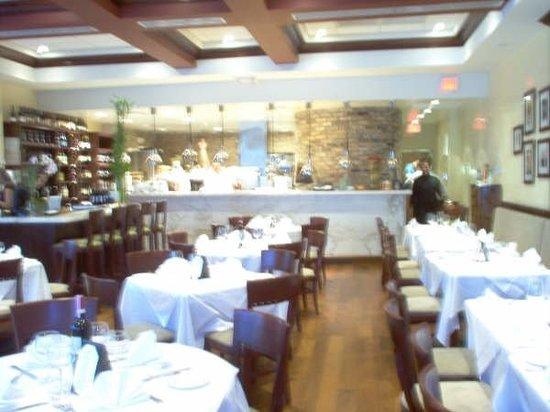 Surfside, FL: Interior Restaurante Cafe Ragazzi, mi lugar de trabajo, en aquella linda experiencia.Av. Har