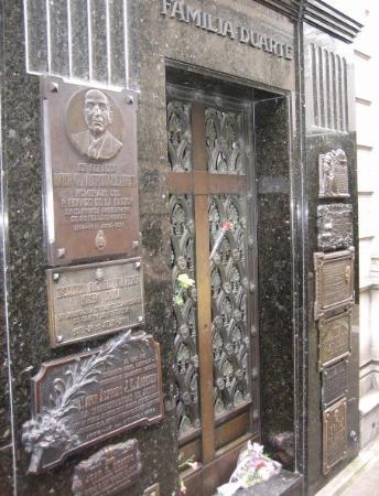 สุสานเรโคเลตา: Buenos Aires - Eva Peron's family grave