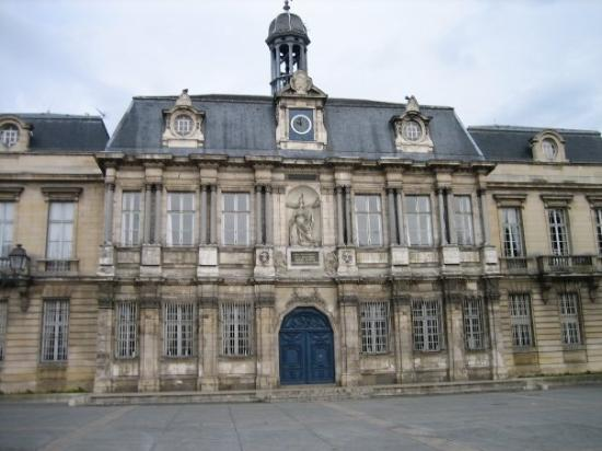 Troyes hotel de ville foto di troyes aube tripadvisor for Hotels troyes