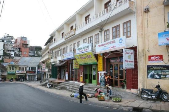 Peace Hotel (Hoa Binh)