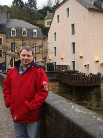 Barrio Grund : Pascal con el bar Scottish