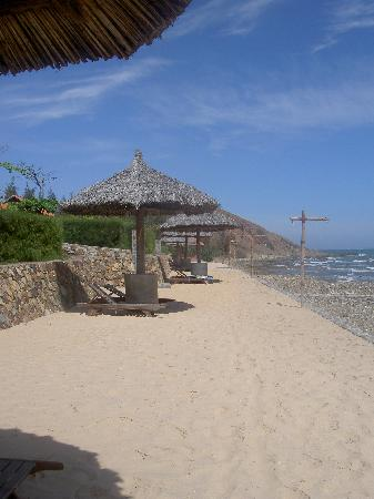 Romana Resort & Spa: The beach
