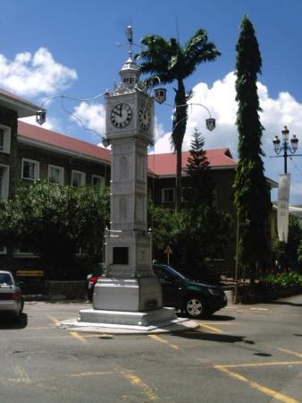 Clock Tower: Little Ben in Victoria, Haupstadt von Mahé (kleinste Hauptstadt der Welt)