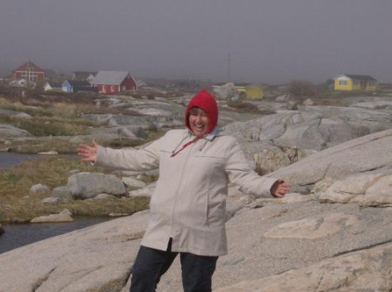 Peggy's Cove, แคนาดา: not pregnant, my sweater!!!!