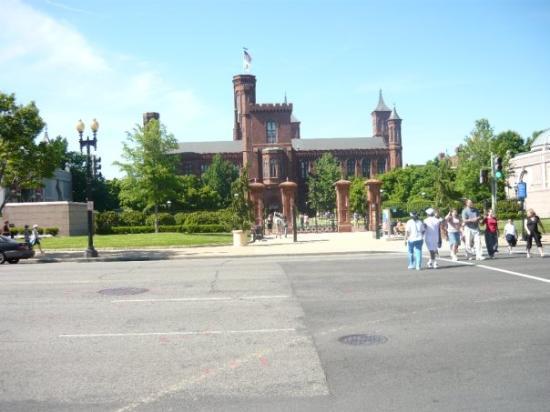 พิพิธภัณฑ์ประวัติศาสตร์ธรรมชาติแห่งชาติ สมิธโซเนียน: smithsonian campus