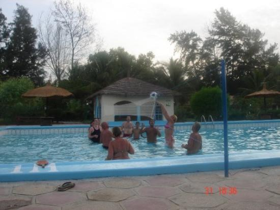 Bakau, แกมเบีย: Volleyball!