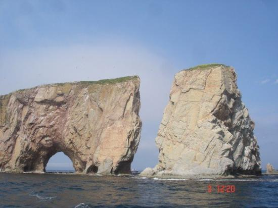 Foto de Pierced Rock (Rocher-Percé)