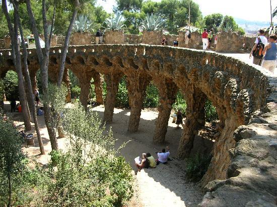 Barcelona, Spanien: Park Guell more pillars
