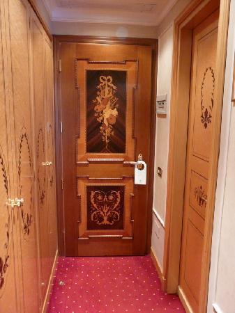 Grand Hotel des Iles Borromées & SPA: entrée