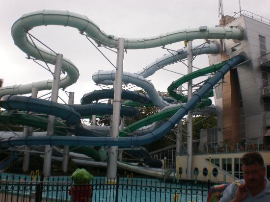Wassenaar, Belanda: Outside view of the water park slides