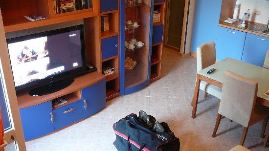 Casa Vacanze Chiro: the livingroom and kitchen