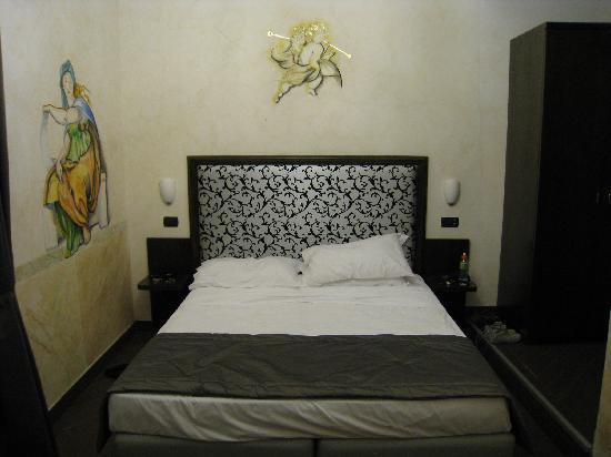 Roman Holidays: Bedroom