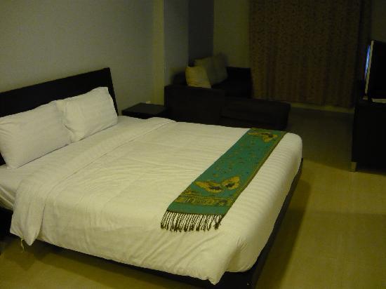 Centric Place Hotel: ベッド