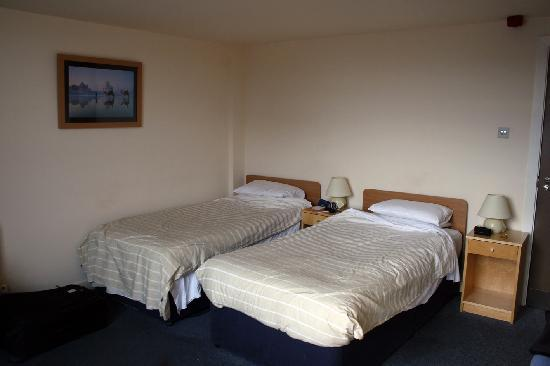 YMCA Indian Student Hostel: Room # 533, Sir Francis Low Suite