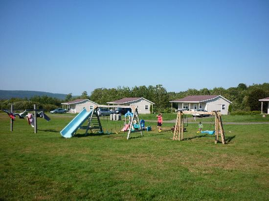 Upper Clements Cottages : play area