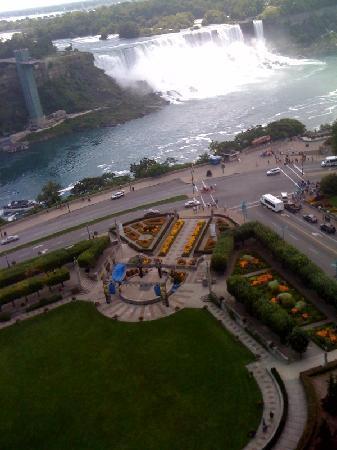 โรงแรมเชอราตันออนเดอะฟอลส์: View from our room
