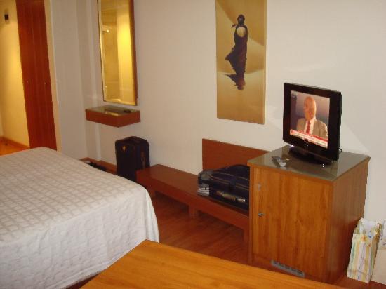 Capsis Hotel Thessaloniki : tv