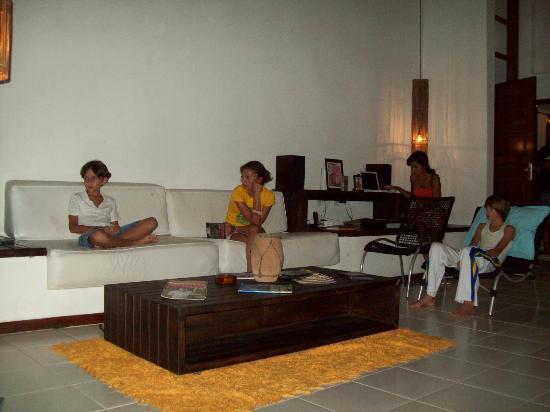 Casa Alegria: living room