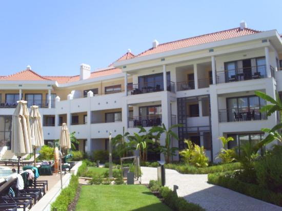 As Cascatas Golf Resort & Spa: Apartments view