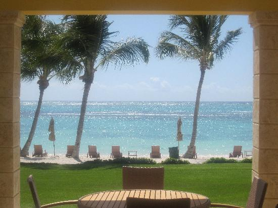 Tortuga Bay Hotel Puntacana Resort & Club: view from the ocean front villa