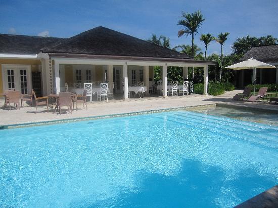 Tortuga Bay Hotel Puntacana Resort & Club: pool at bamboo