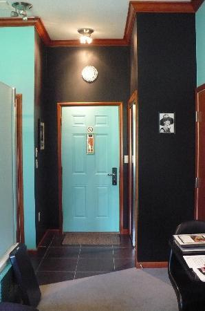 The Roxbury, Contemporary Catskill Lodging: super tiffany blue door!