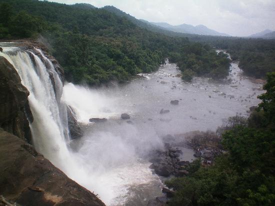 Casa Mia Homestay : One of the waterfalls
