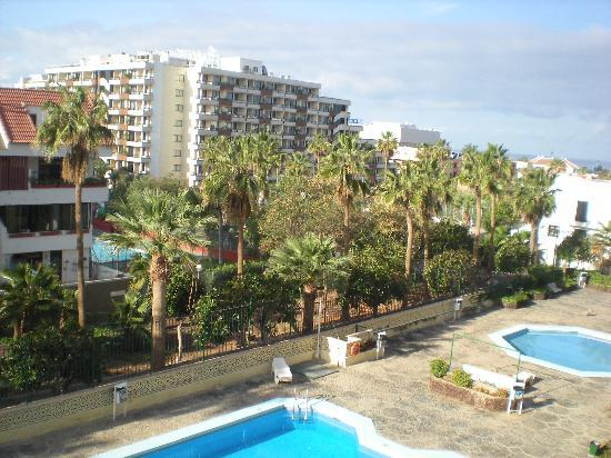 Playa Honda II Apartments: piscina 2