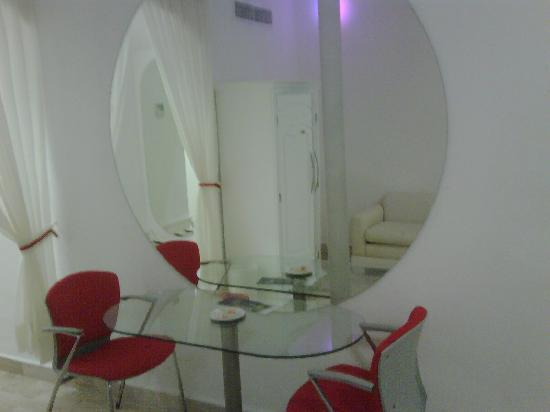 Bel Air Collection Resort & Spa Cancun: Room - purple light