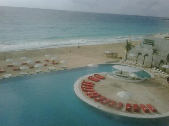 Bel Air Collection Resort & Spa Cancun: Pool + Beach (!!!)