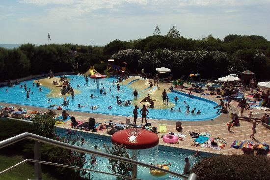 Union Lido Camping Lodging Hotel: Pool complex