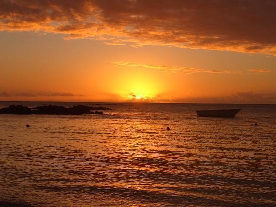 Merville Beach Hotel: sunset