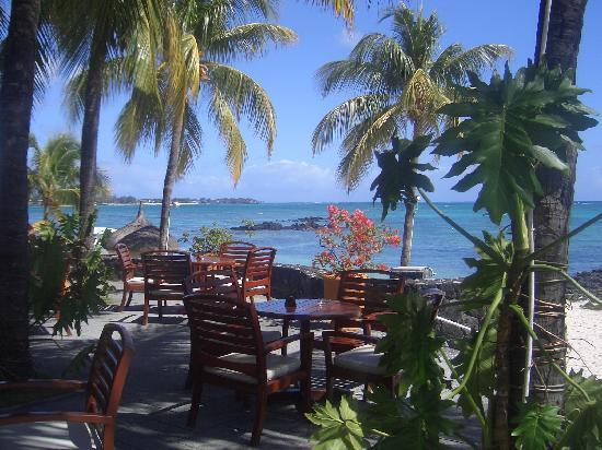 Merville Beach Hotel: the bar terrace
