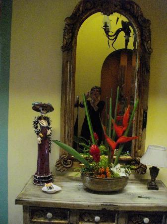 Casa Venezuela: Artful displays