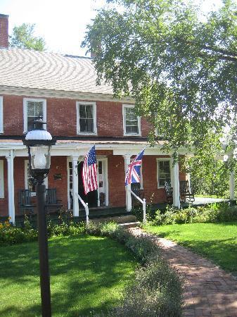 Birchwood Inn: The Birchwood