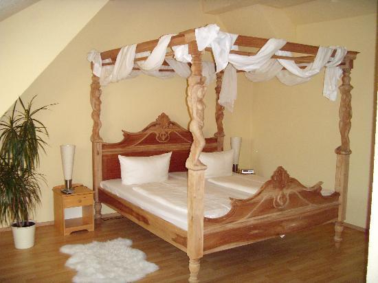 Landhotel Bannewitz (Hotel): himmelbett