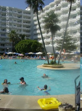 BelleVue Club: One of the pools