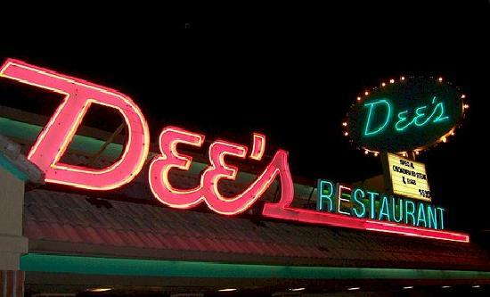 Dee's - Neon Sign at Night - Picture of Dee's Family