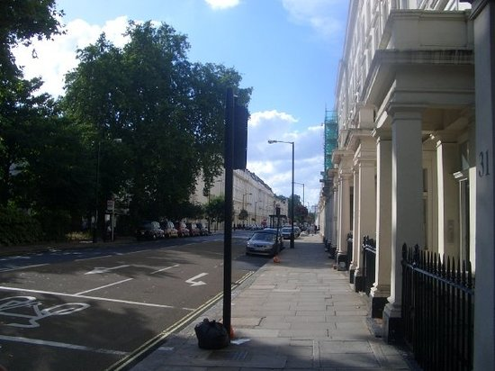 Belgrave Road from Pimlico tube station side