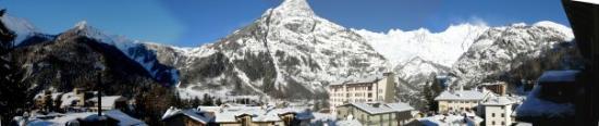 กูร์มาเยอร์, อิตาลี: The view from the hotel.Niiiiice!