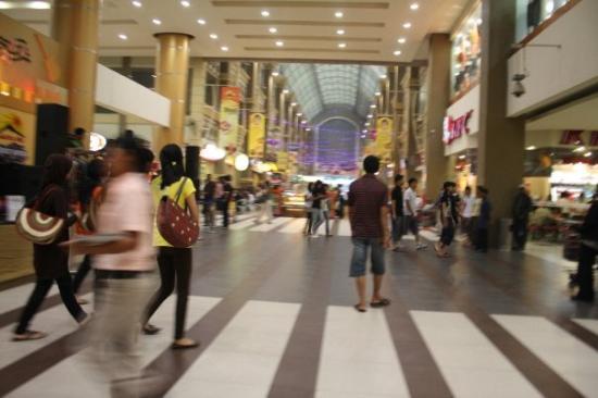 บาตัม, อินโดนีเซีย: Nagoya Hill ..a shopping mall.