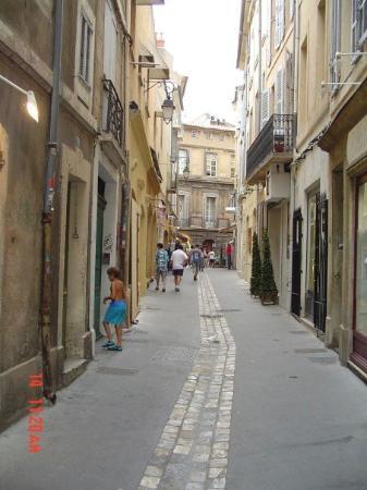 Aix-en-Provence - Narrow streets.