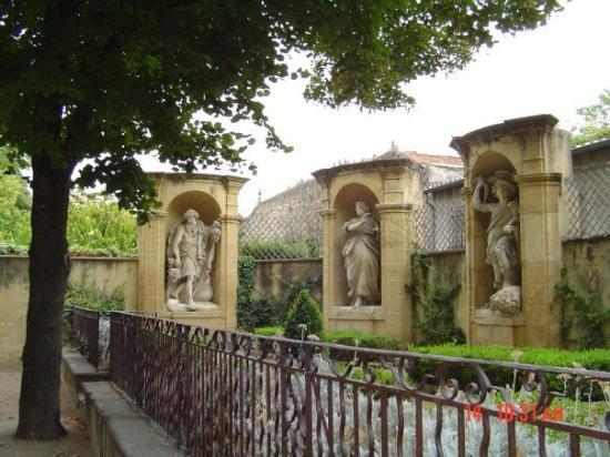 Aix-en-Provence - Roman monuments around the city.