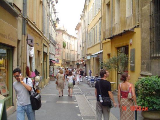 Aix-en-Provence - Walking.