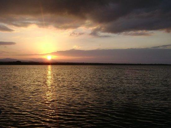 Managua, Nicaragua: sun set en nicaragua aroun 530 ish