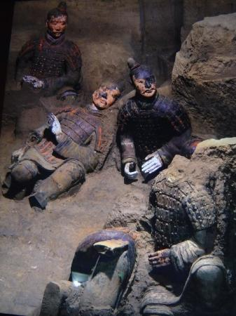 Mausoleum of the First Qin Emperor: Mausoleum of Emperor Qin Shi Huang - Actual condition of Terracota Warriors when first unearthed