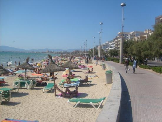 Strandpromenaden ca 5 km lång, playa de palma.