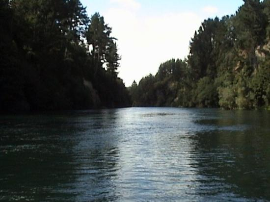 New Zealand Riverjet: Start of jet boat ride New Zealand 2006